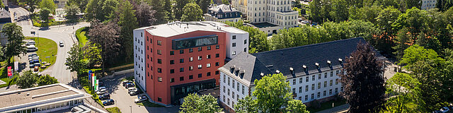 Hier zu sehen sind die 3 Dienstgebäude des Landratsamtes Erzgebirgskreis in Annaberg Buchholz.